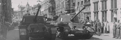 Tanks in de Breestraat