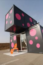 Week-End-House-shipping-containers
